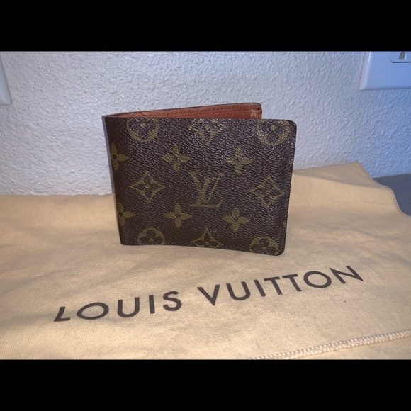 Louis Vuitton Handbags - Authentic Louis Vuitton billfold wallet case pouch